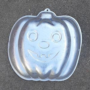 1987 Halloween cake pan